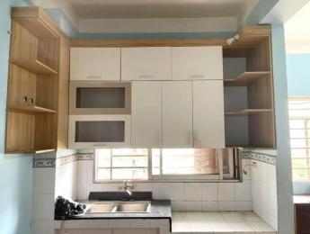 Bán căn hộ tầng 9 tòa chung cư thấp tầng Nơ bán đảo Linh Đàm 56m2 có nội thất 1.37 tỷ